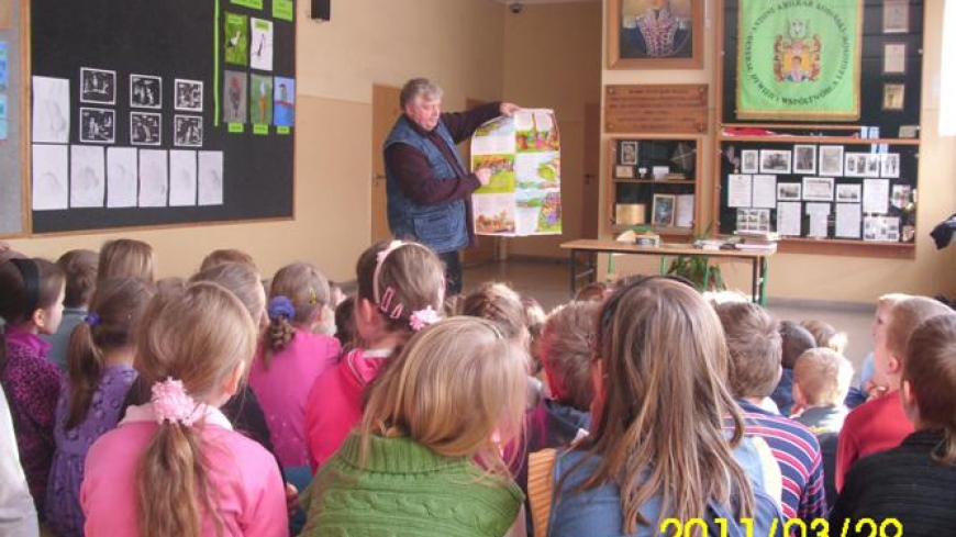 Wiesław Drabik, autor książek dla dzieci, w Targowej Górce