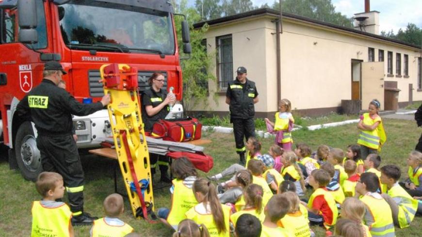 Spotkanie klas pierwszych ze Szkoły Podstawowej w Nekli ze Strażakami
